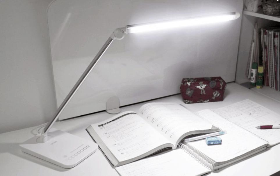 Product Image of the 씨티오 LED 7단 파노라마 학습용 스탠드