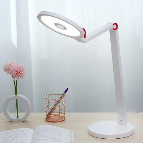 Product Image of the 플랜룩스 LED스탠드 모티아이 책상스탠드
